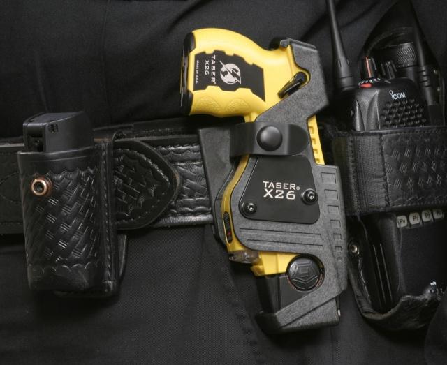 Uk Police To Get 10 000 Taser Guns
